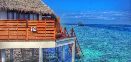 maldives-atolls luxury overwater bumgalow