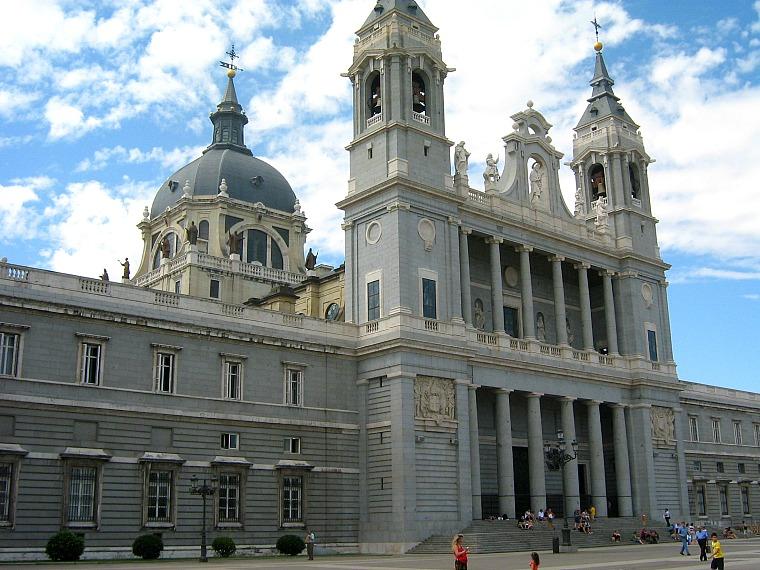 spain-madrid-palace