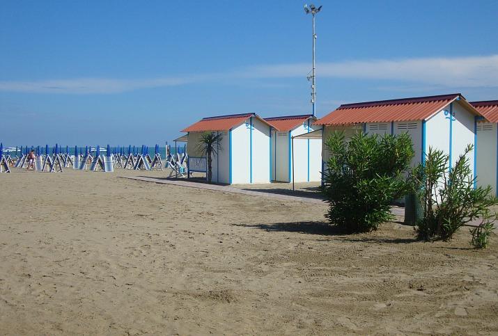 italy_lido_beach