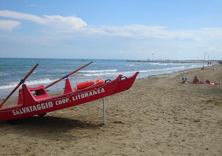 italy_lido_boat