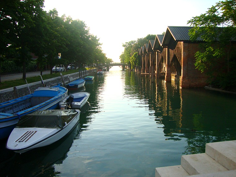 italy_lido_canal