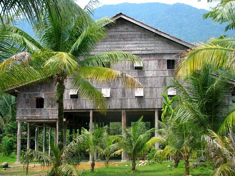 malaysia-sarawak-house
