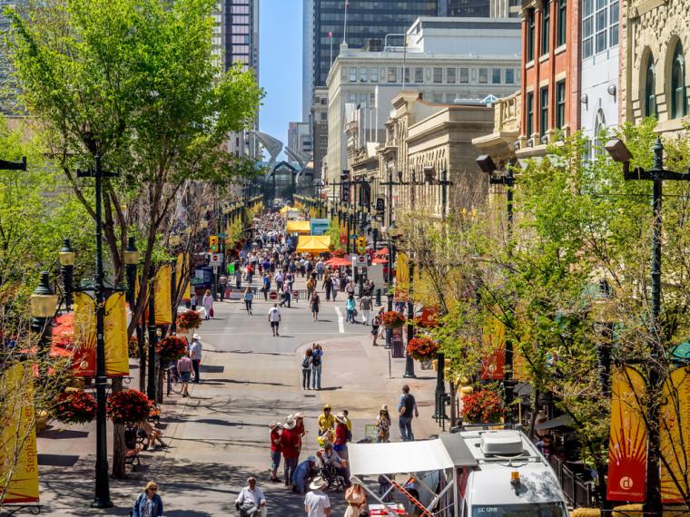 Stephen Avenue. Jeff Whyte / Shutterstock.com