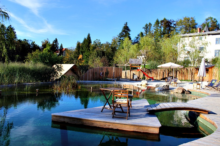 slovenia-lake-bled-pool- garden village