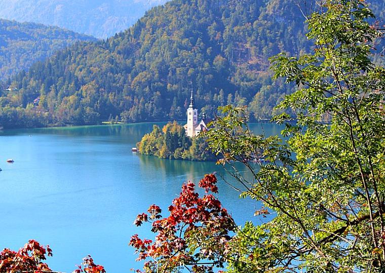 slovenia-lake-bled-pano