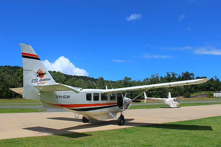 GSL Aviation Whitsundays scenic flight, Australia
