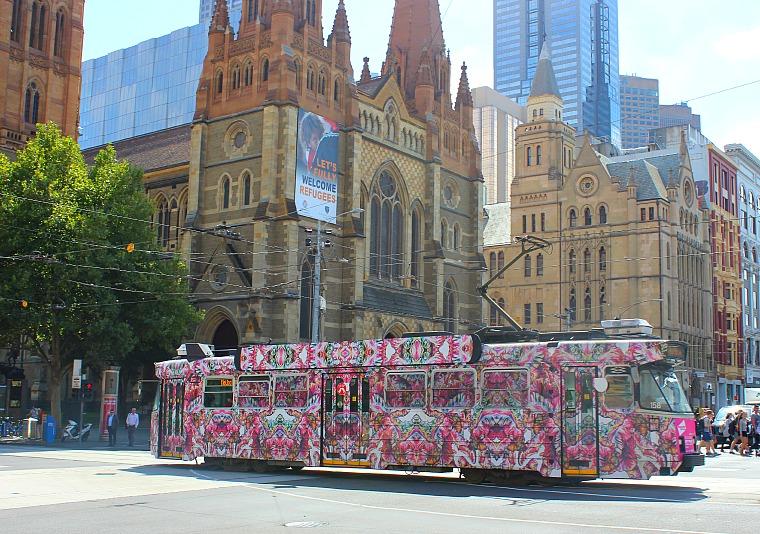 australia-melbourne-tram