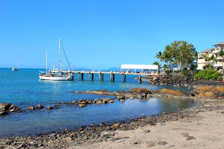 australia-airlie-beach-boat