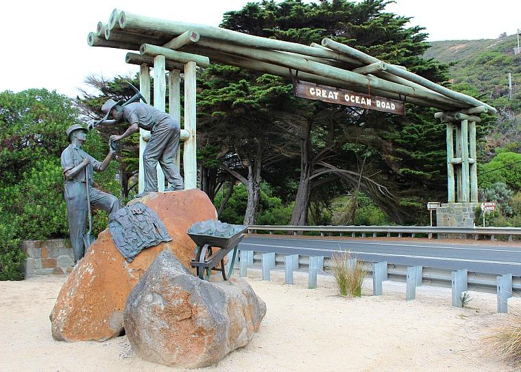 Great Ocean Road Memorial Archway in Australia