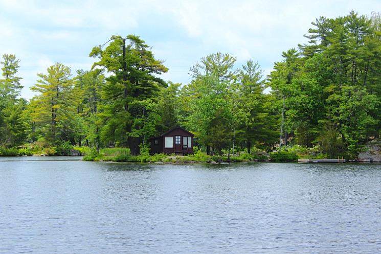 kawarthas-cabin