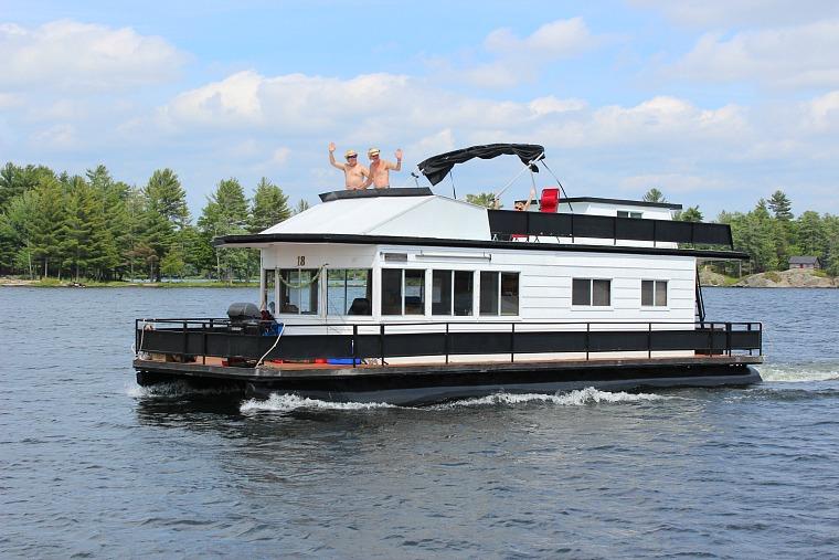 kawarthas-houseboat