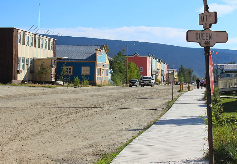 Canada-Yukon-Dawson-City-Queen-Street