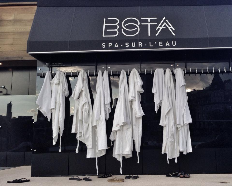 Canada-Montreal-BotaBota-Robes