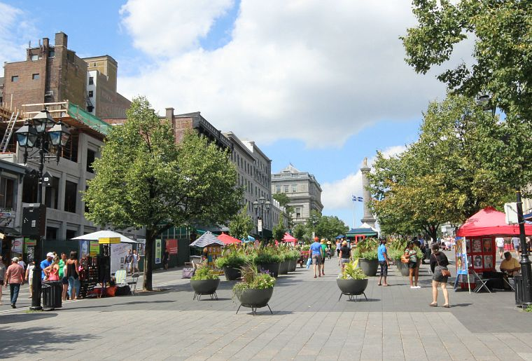 Canada-Quebec-Montreal-old-montreal-square-2