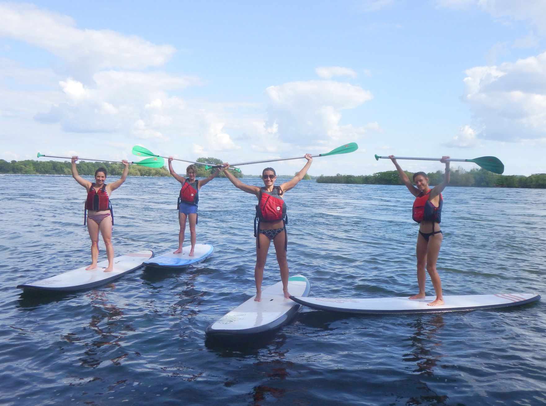 Canada-Quebec-Montreal-paddleboaring-group