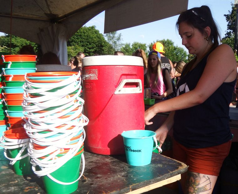 Canada-Quebec-Montreal-piknic-buckets