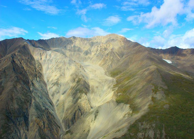 Canada-Yukon-Glacier-Tour-Mountain-Range-7