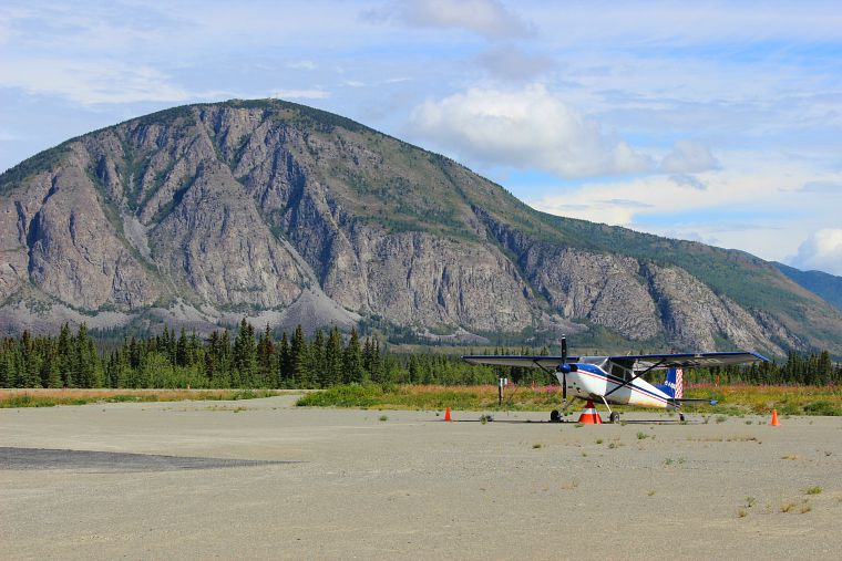 Canada-Yukon-Glacier-Tour-Plane-2