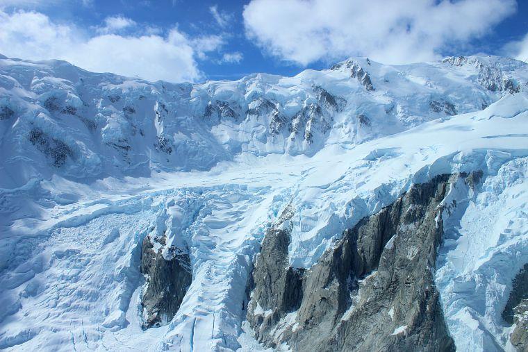 Canada-Yukon-Glacier-Tour-glacier-12