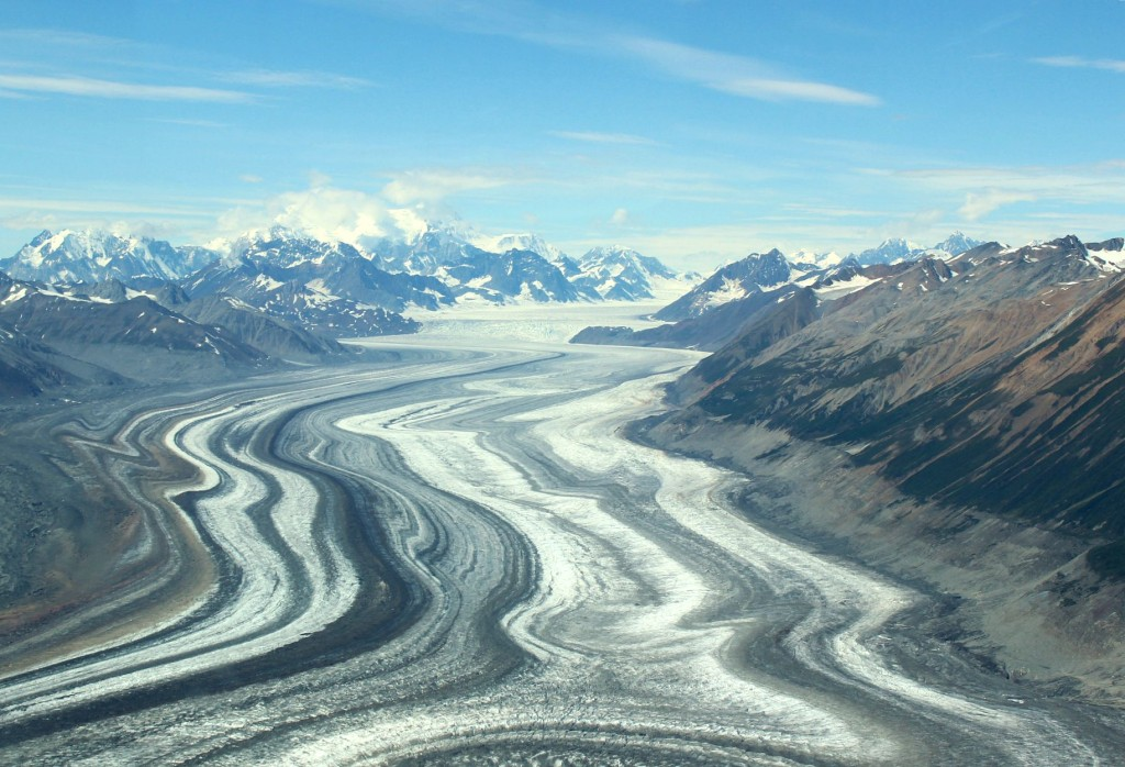 Canada-Yukon-Glacier-Tour-tracks-5