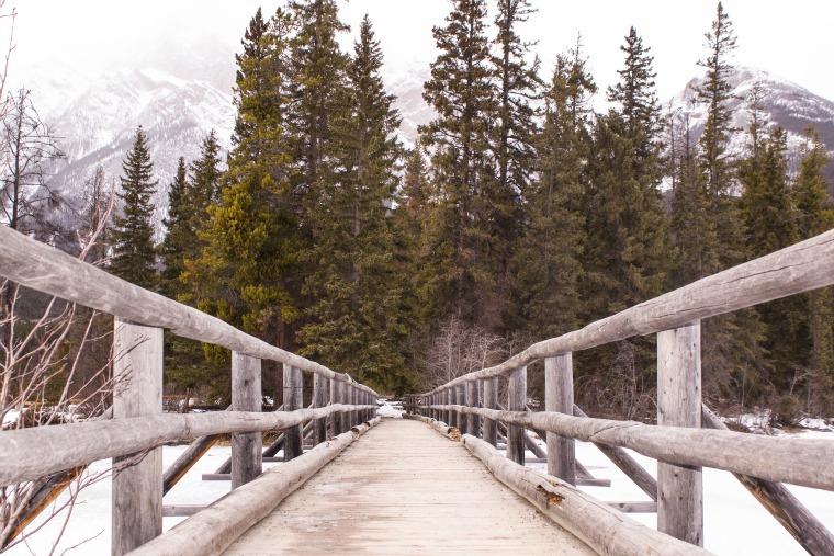 winter activities in jasper, alberta, canada