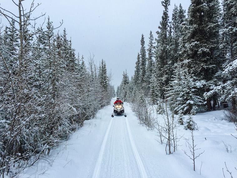 Canada-Yukon-Snowmobiling-3