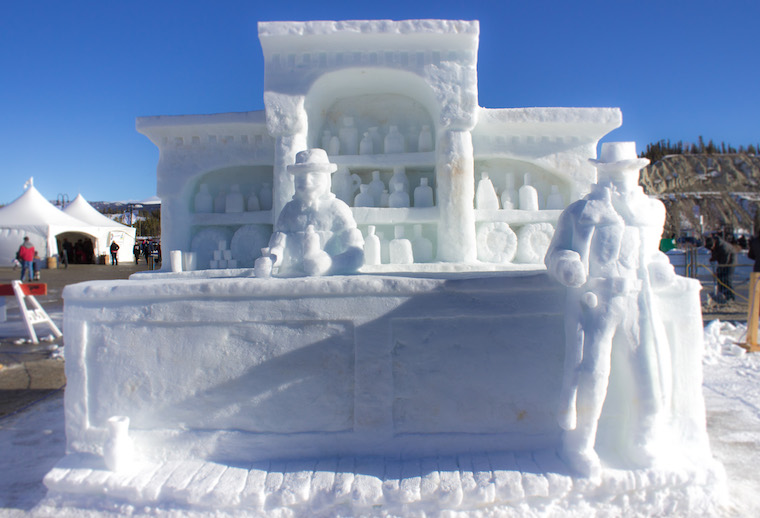 Canada-Yukon-Whitehorse-Rendezvous-Snow-Sculptures-bar