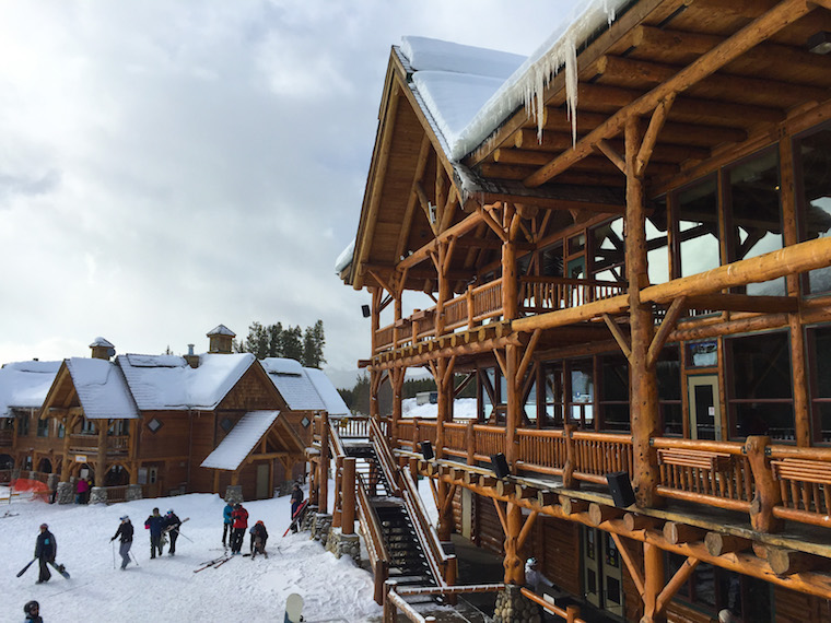 Lake Louise's Lodge at Ten Peaks
