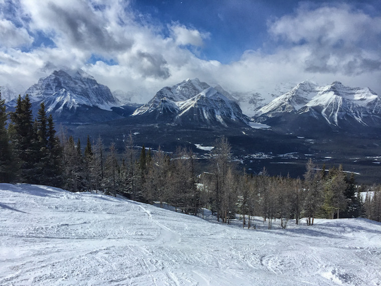 Canada-Alberta-Lake-Louise-Ski-Resort-hill-5
