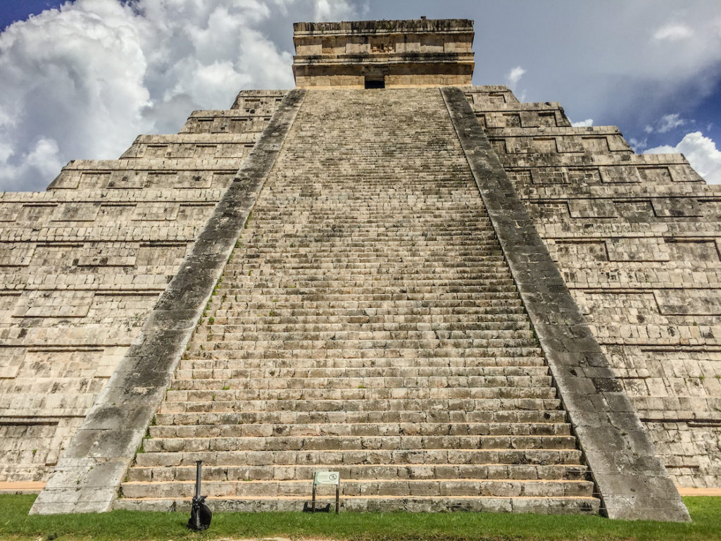 El Castillo. Tips for visiting Chichén Itzá in Mexico