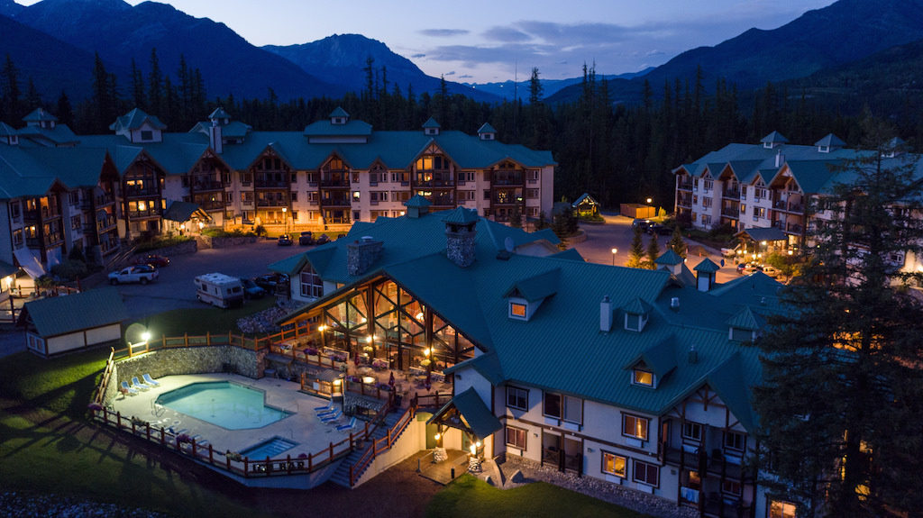 Lizard Creek Lodge is one of the best options for Fernie lodging