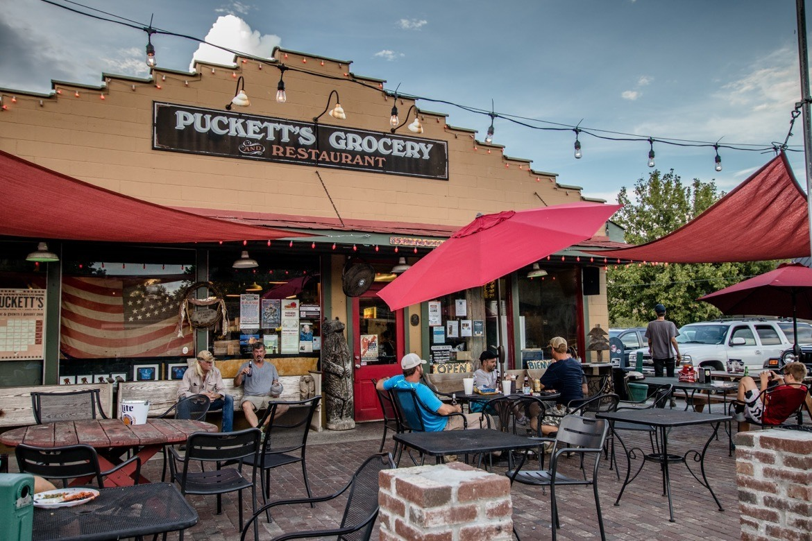 Things to do in Franklin TN- Puckett's Grocery