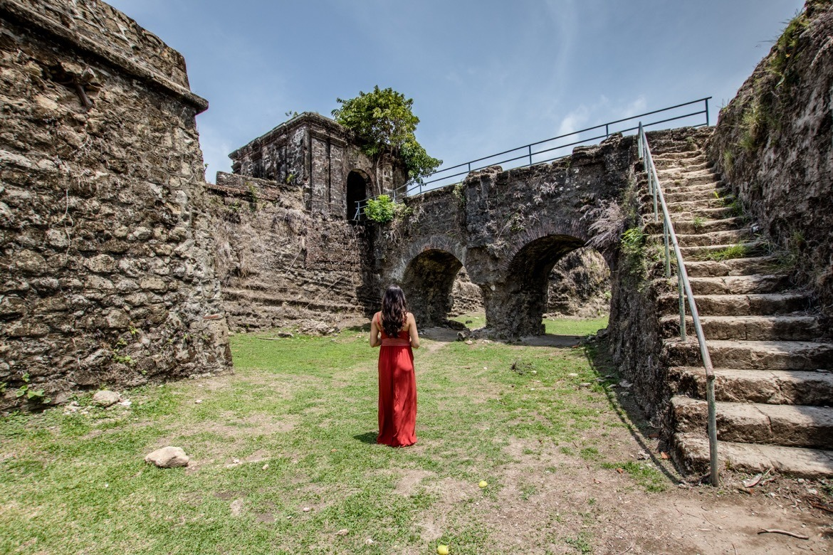 Exploring Fort San Lorenzo in Panama with One Ocean Expeditions