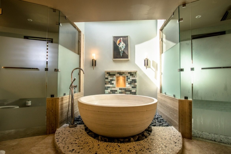 The gorgeous bathroom inside a Rotunda room at Sandals Grenada