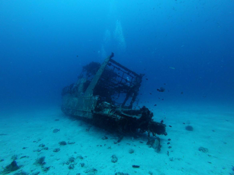 Philippines-Bohol-diving-shipwreck