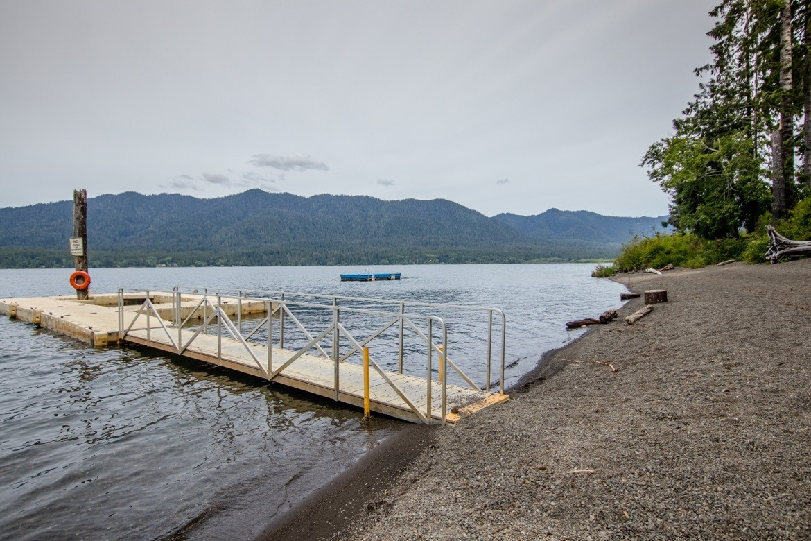 Visiting Lake Quinault is one of the best things to do in Olympic National Park