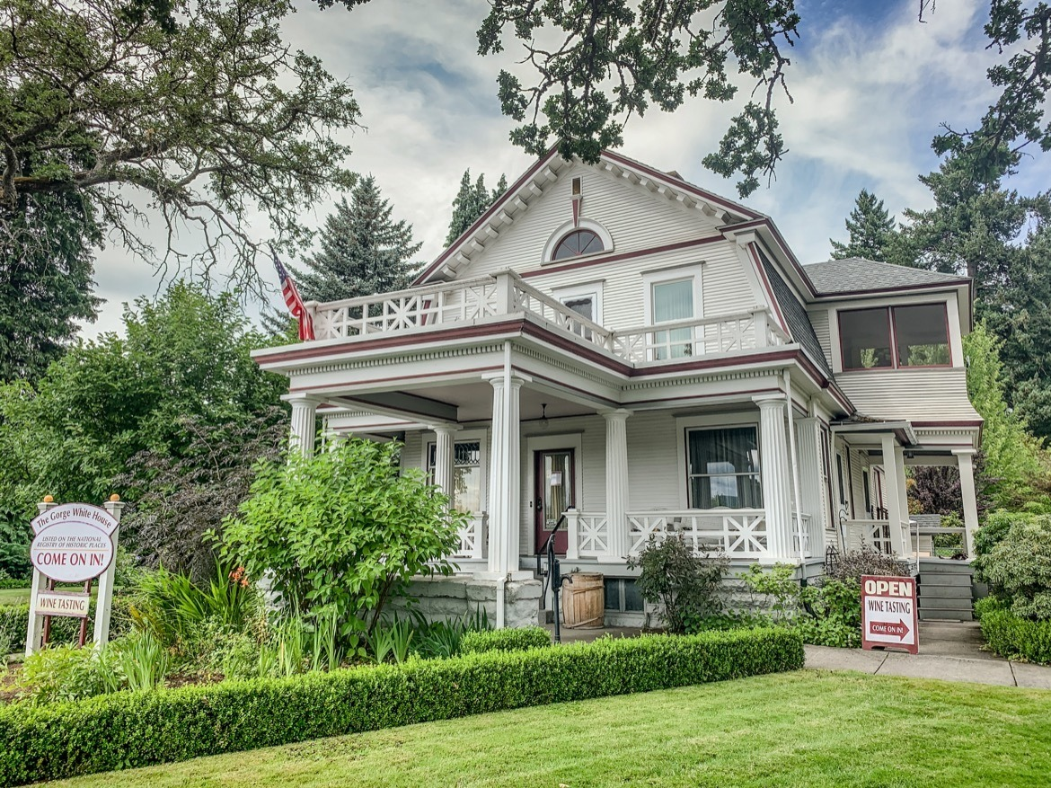 The Gorge White House is one of the best Hood River wineries