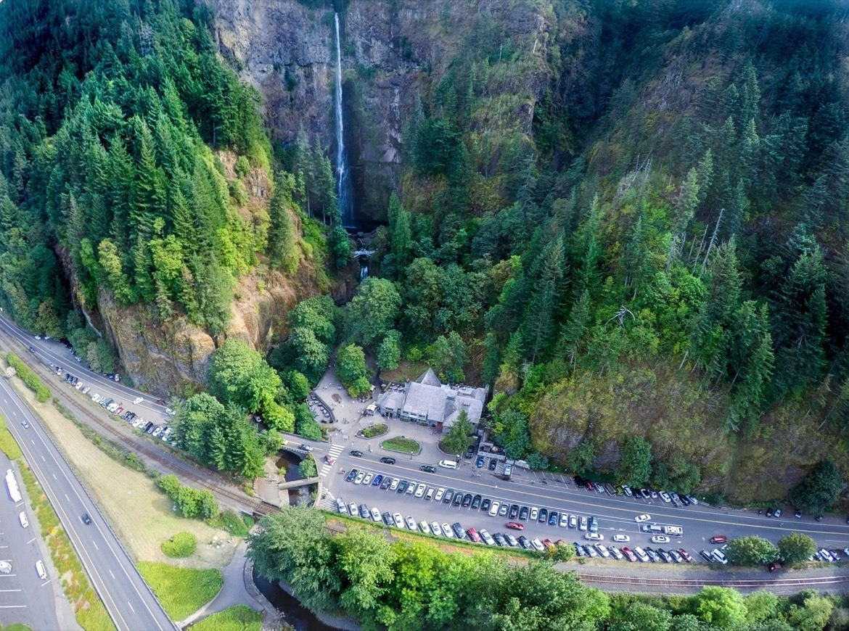 The parking lot at Multnomah Falls